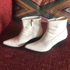 Zara white bootie EU size 40. 9.5